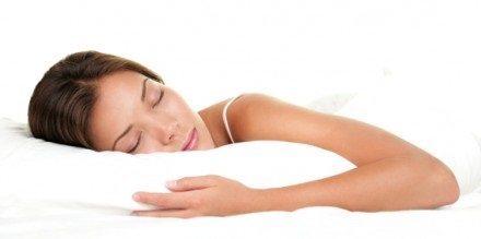 Des oreillers appui-nuque contre les maux de dos et de nuque